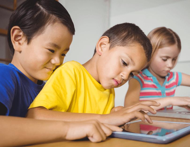 web-design-for-kids-working-together-1